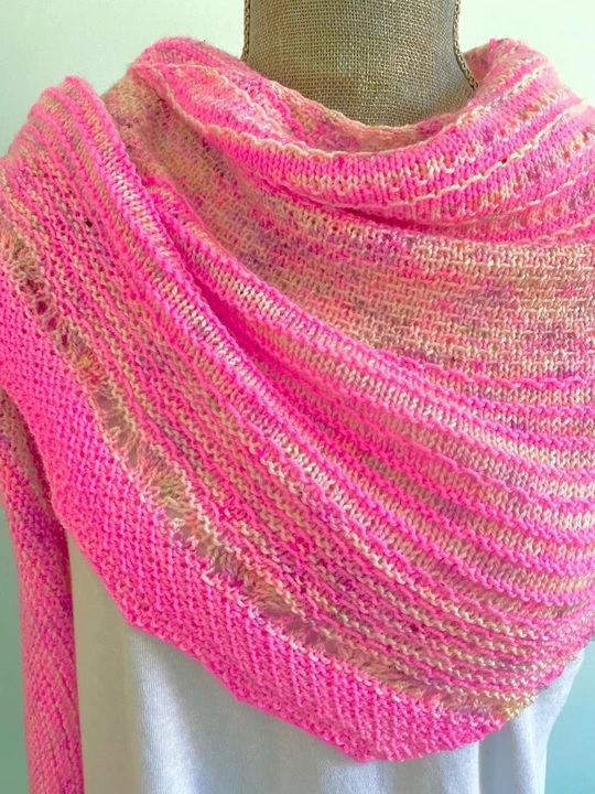 KITS FOR LYS OFFER HUG SHOT SHAWL